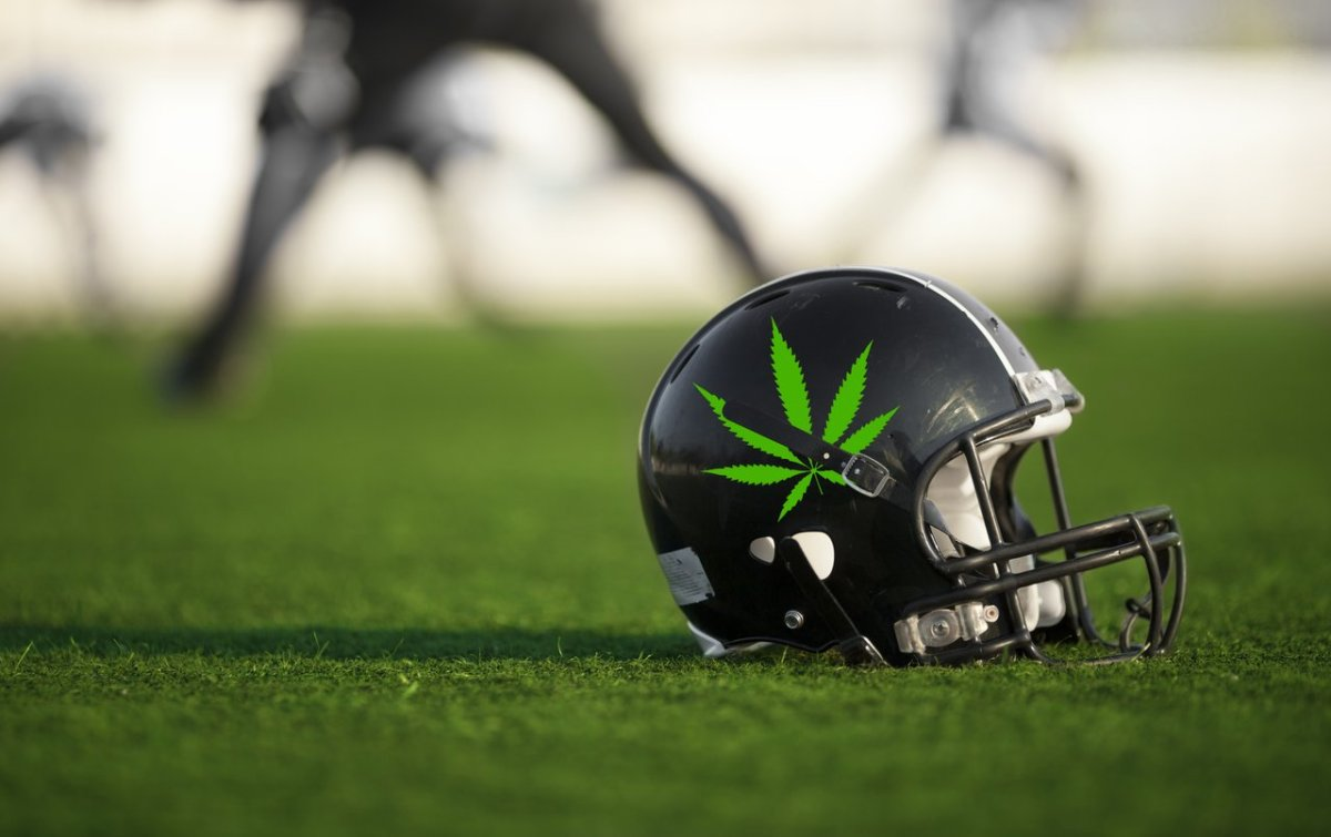 NFLPA to Revisit Marijuana Policy in 2020 Collective Bargaining Agreement