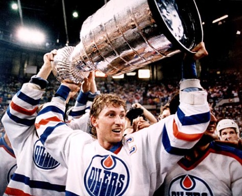 x-gretzky-with-cup-26-january-2011.jpg